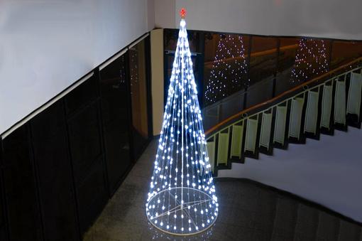 Arbol de navidad para techos altos