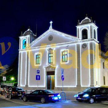 Manguera led perfilando Iglesia renacentista